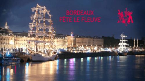 Photo Bordeaux Fête le Fleuve : Départ de la Solitaire du Figaro